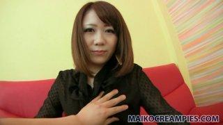 红头发的日本人Mari Okuda喜欢热情的手淫
