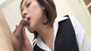 淫日本老师Emi Orihara引诱geezer