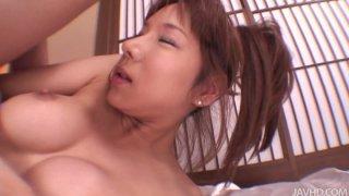 穿着和服的脏贱人Serina Hayakawa在传教士位置和doggystyle中变得很难