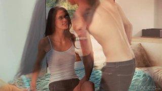 蒂芙尼汤普森让她的男朋友吃了她的阴部