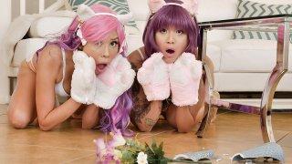 性感的亚洲小猫想玩Faapy