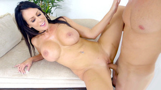 Huge breasted Reagan Foxx takes a good pussy pounding